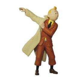 moulinsart Tintin puts his coat on