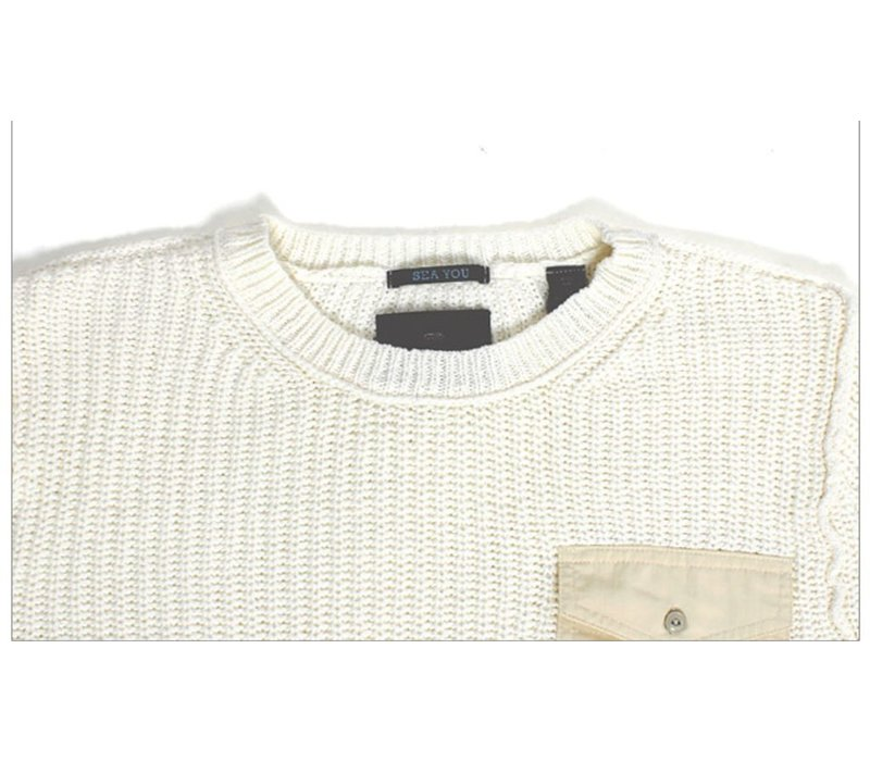Crewneck pull with chestpocket and zippers