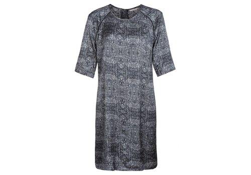 YAYA PAISLEY PRINTED DRESS, ZIP CLOSURE AND PIPING DETAILS