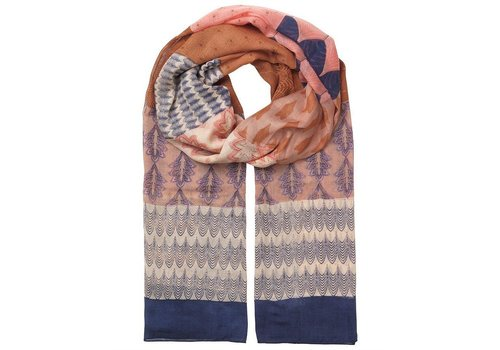 Feral scarf