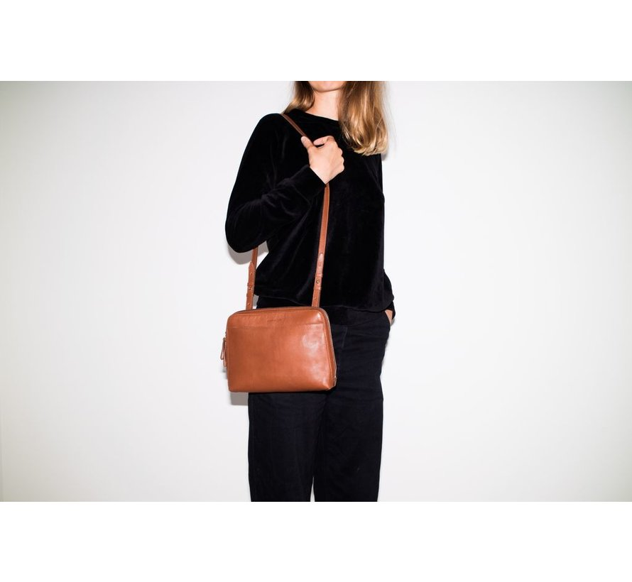 ANNA, Cognac brown