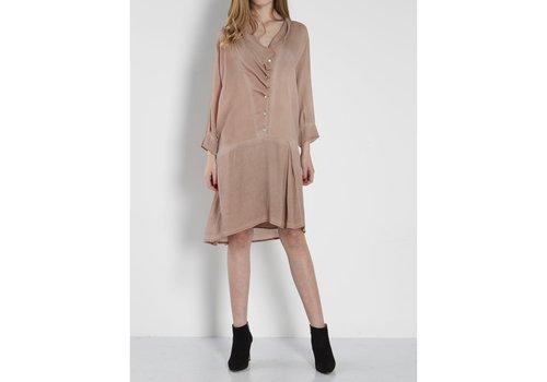 NÜ vestido