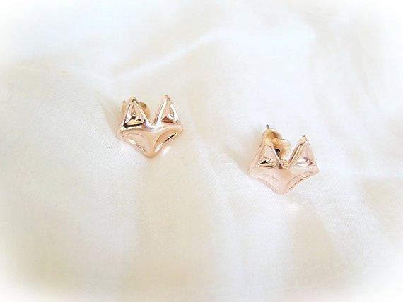 Lovelymusthaves Fox fox animal hip earrings