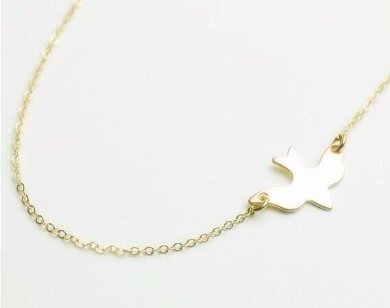 Trendy bird bird animal musthave necklace