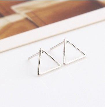 Lovelymusthaves Triangle open minimalistische driehoek oorbellen