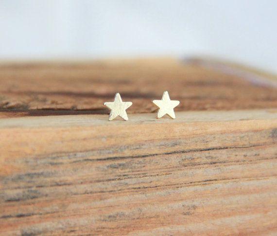 Lovelymusthaves Ster star hippe minimalistische oorbellen