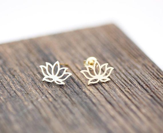 Lovelymusthaves Lotus bloem hippe boho oorknopjes zilver/goud/rose