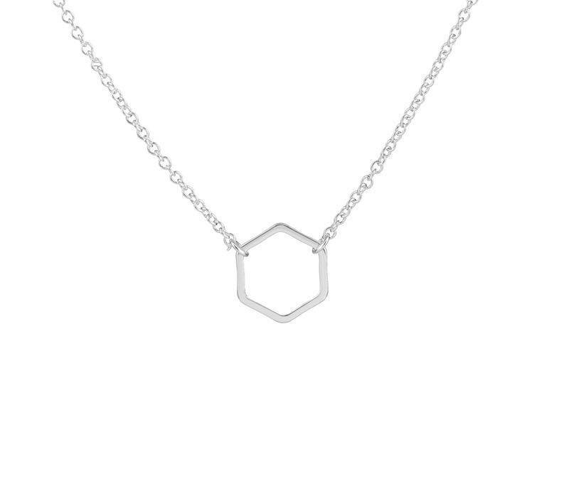 Lovelymusthaves Hexagon honey necklace silver/gold