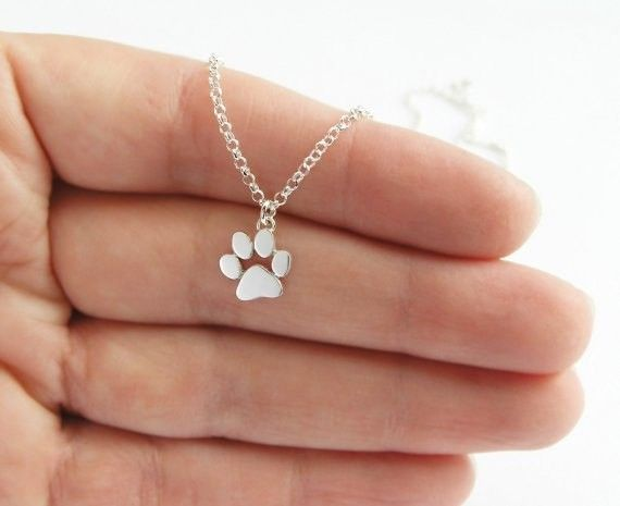 Lovelymusthaves Dog claw animal necklace silver/gold