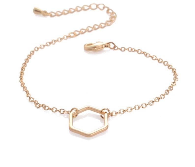 Lovelymusthaves Hexagon honingraad geometrisch minimalistische armband