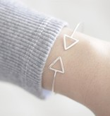 Lovelymusthaves Lovelymusthaves - Triangle open minimalist bracelet silver/gold