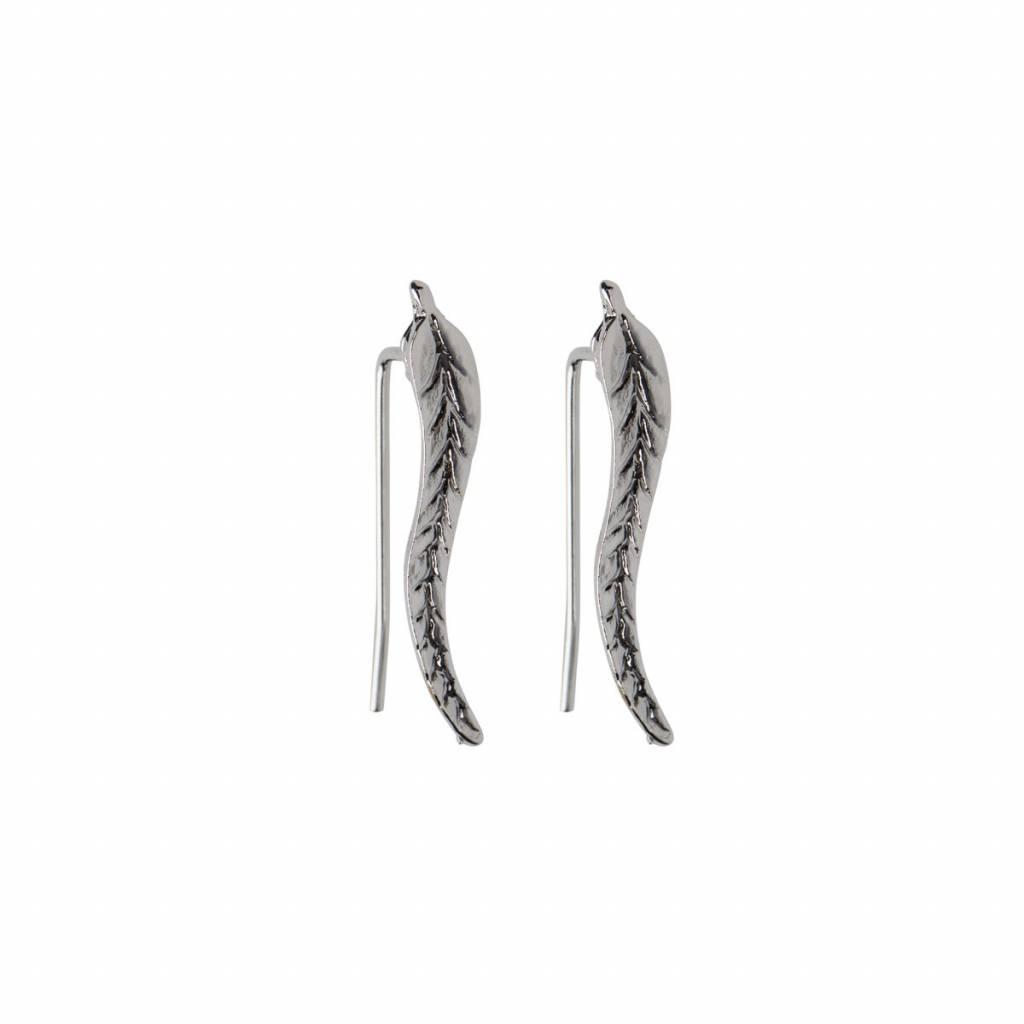 Lovelymusthaves Trendy oorbellen met blad veer leaf langs je oorlijn