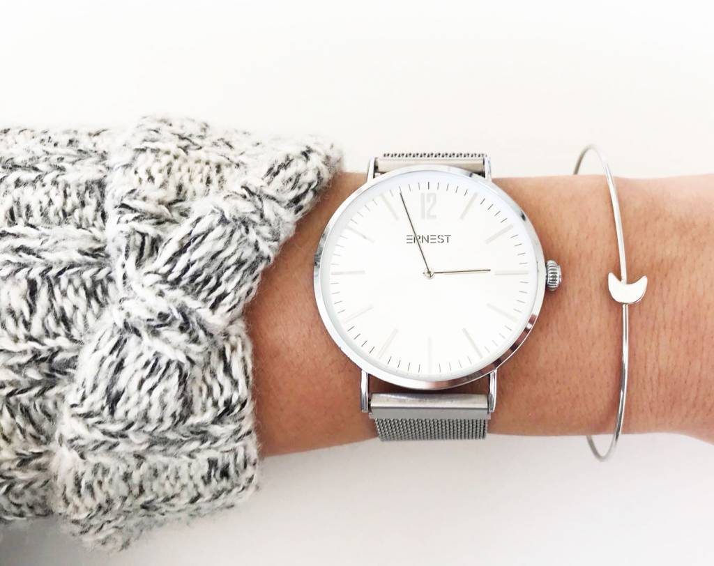 Lovelymusthaves Moon bracelet bangle adjustable