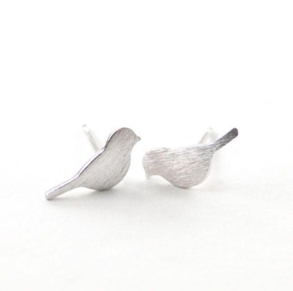 Lovelymusthaves Trendy bird bird animal musthave earrings