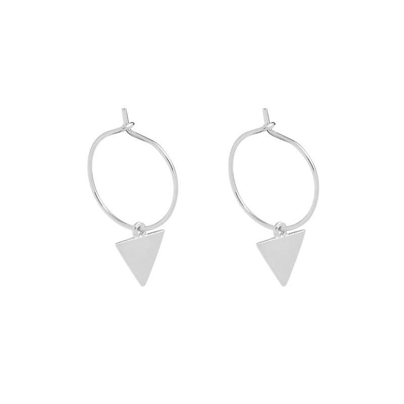 Lovelymusthaves Earrings with a triangle