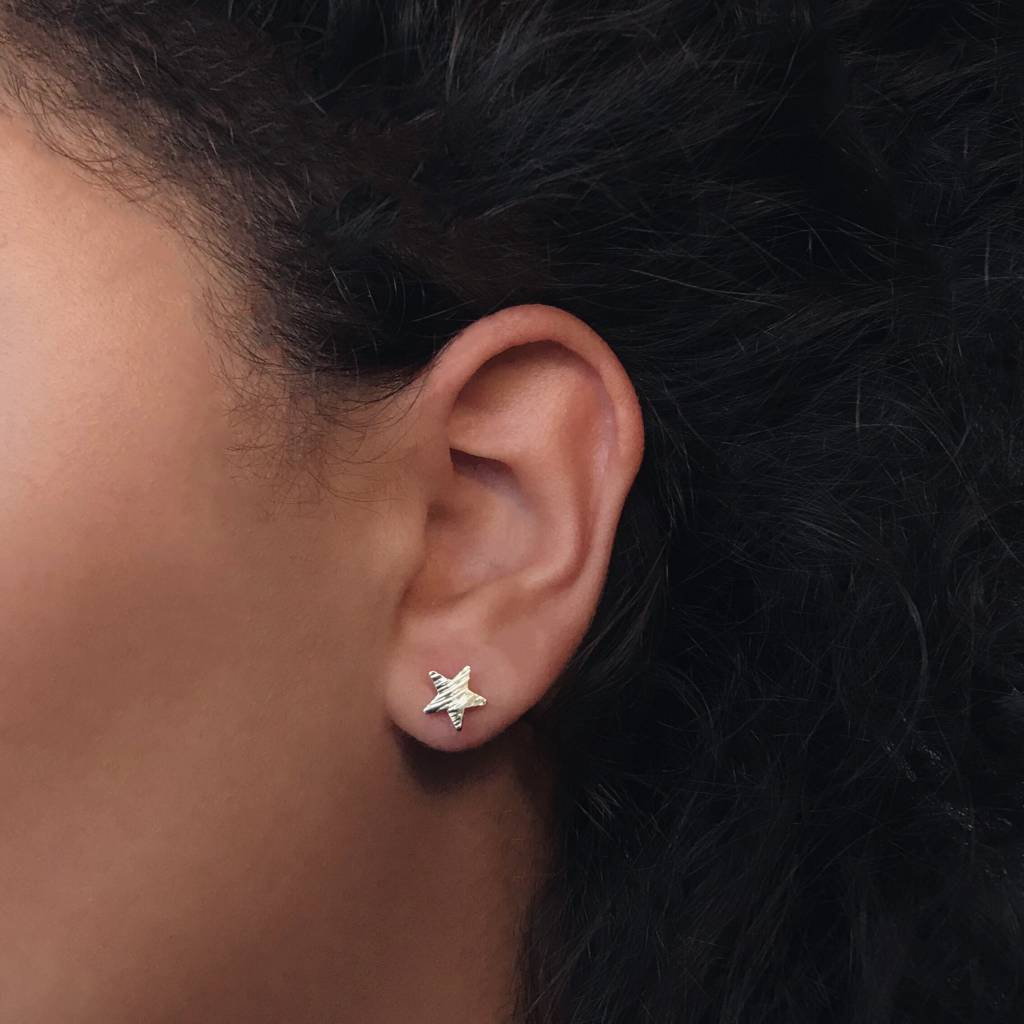 Lovelymusthaves Lovelymusthaves - Star hip minimalist earstuds silver/gold/rosé