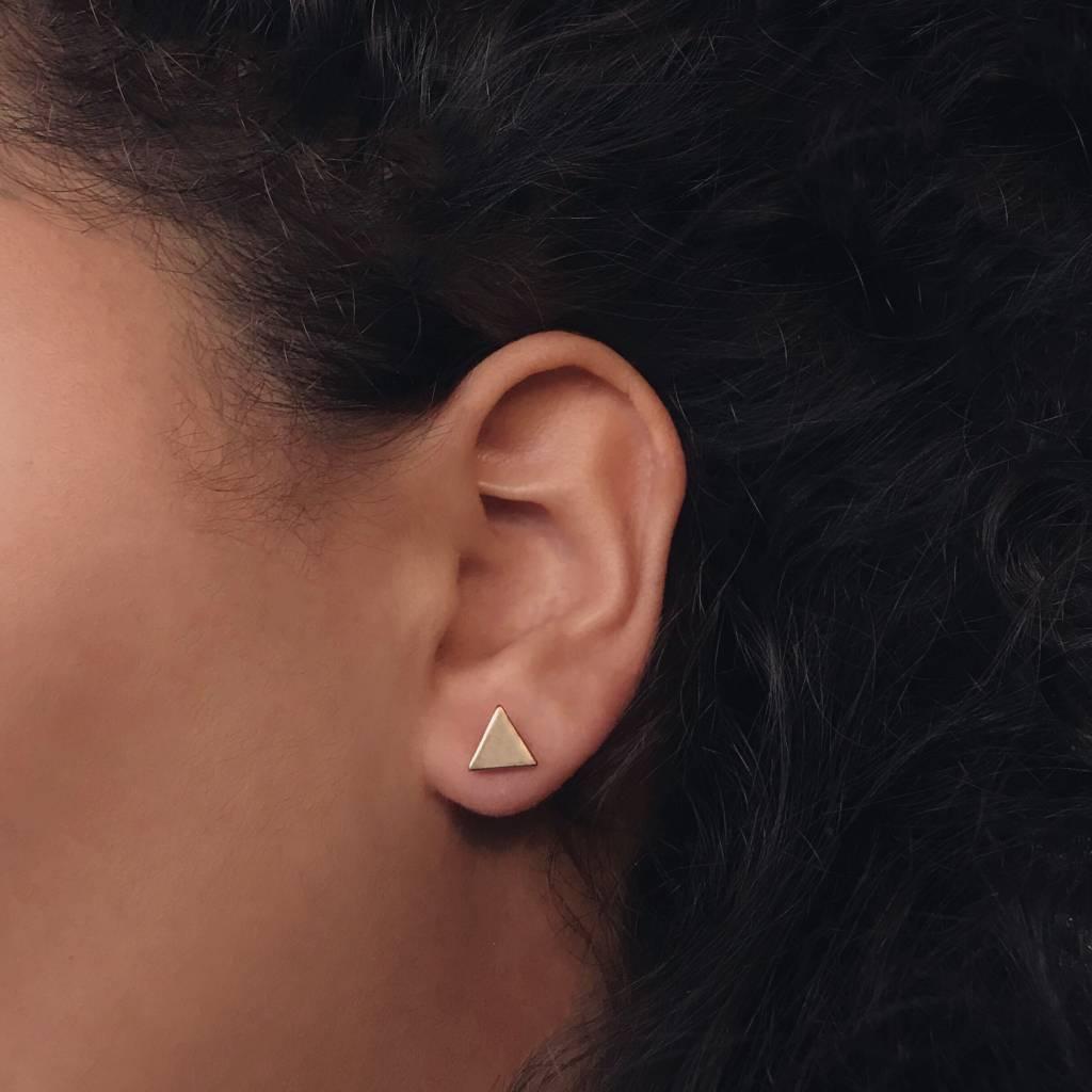 Dichte driehoek minimalistische oorbellen