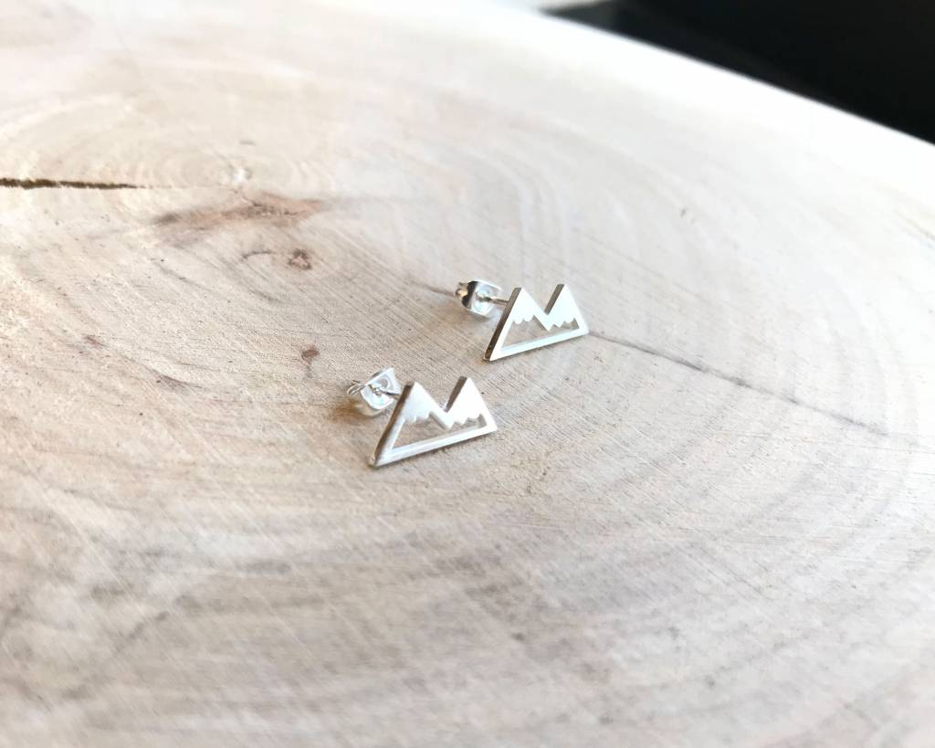 Lovelymusthaves Mountain travel earrings