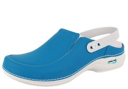 Wash & Go  Clog open met elastiek licht blauw