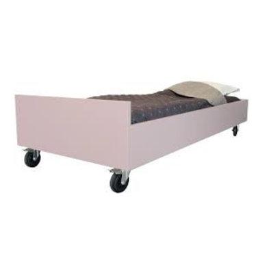 Bedhuisje Leuk Bed van Bedhuisje Pioen Roze