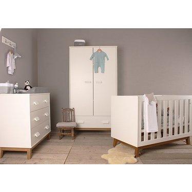 Happy Baby Leuke Baby kamer New Vintage van het merk Happy Baby  Witte Handgrepen