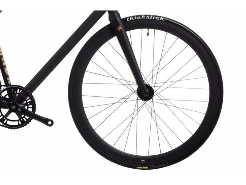 Poloandbike CMNDR S.A.S.