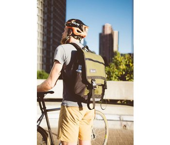 Road Runner Bags Medium Anything Pack
