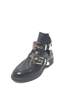 BUCKLE BOOTS 2 | black/silver
