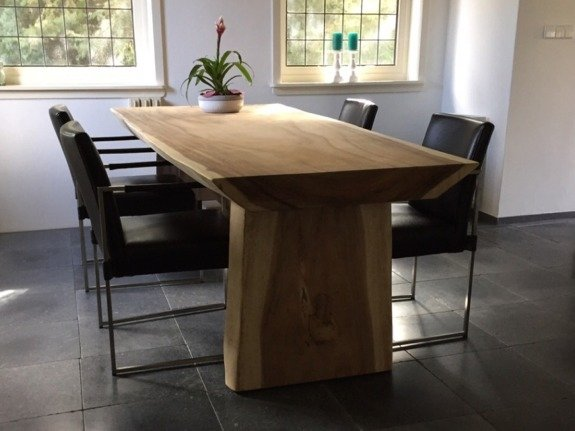 Boomstamtafel suar hout 180cm