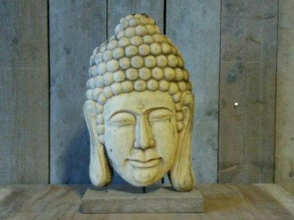 Houten Boeddha op voet - middel