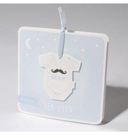 Familycards Klein Wonder Geboortekaartje 'rompertje aan blauw lint'