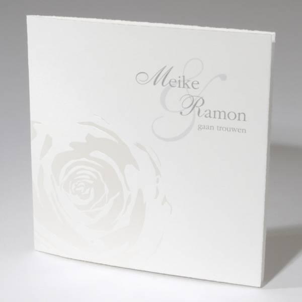 Oudhollandse huwelijkskaart met parelmoer roos (591589)