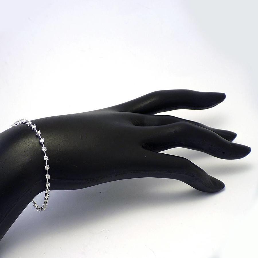 18 krt. witgouden armband met 1.53ct aan briljant geslepen Diamant