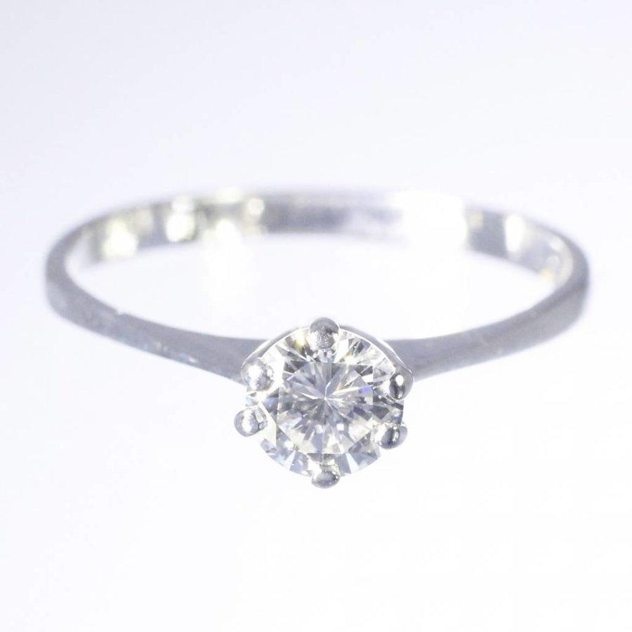 14 krt witgouden solitair met 0.50ct Diamant