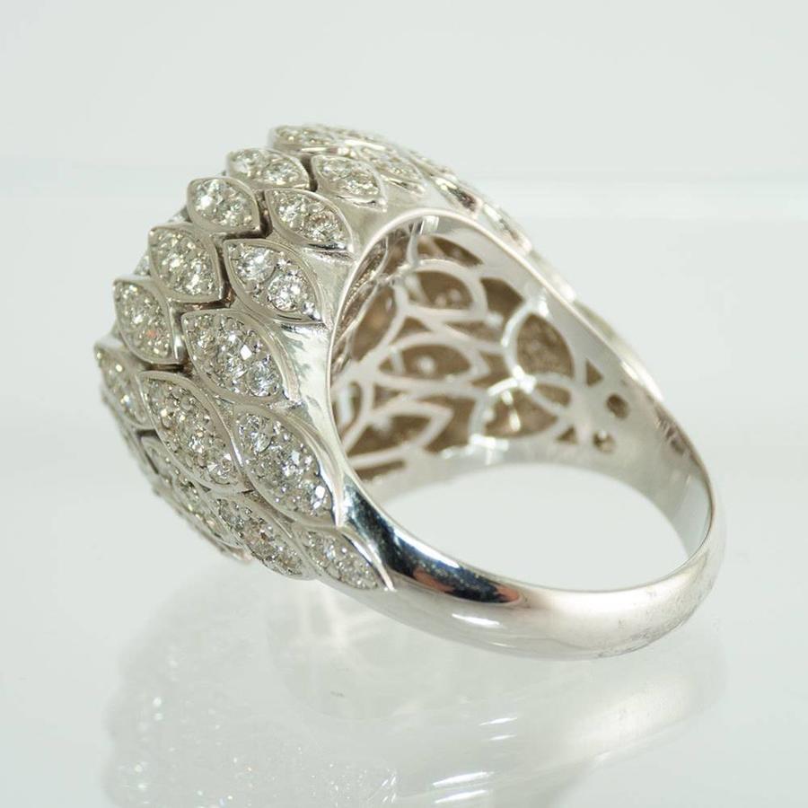 18 krt. wit gouden ring met 85 briljanten