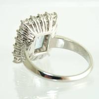 18 krt. wit gouden entourage ring
