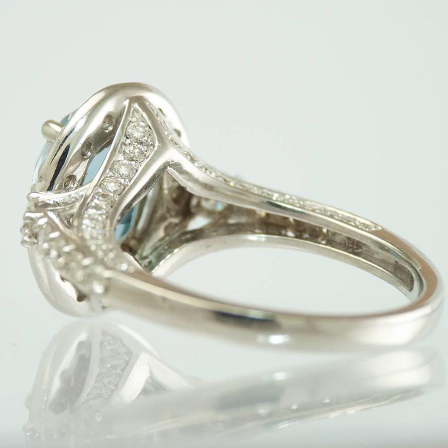 18 krt wit gouden ring met 74 briljanten