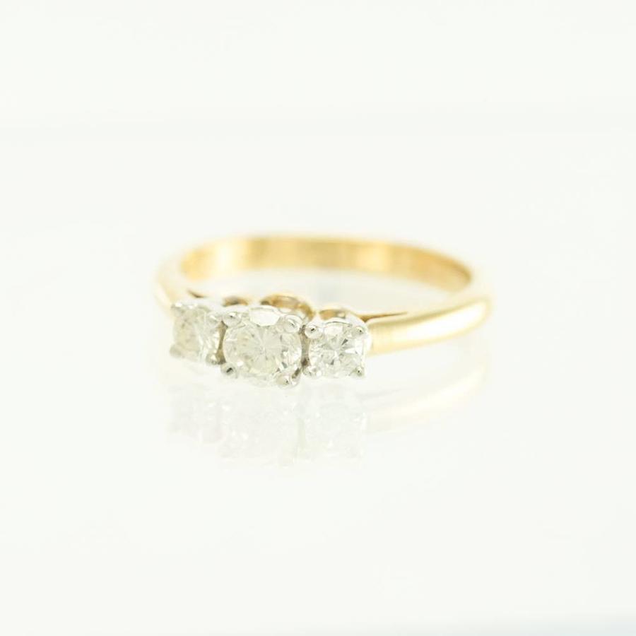 18 krt. geel gouden ring met 3 briljanten