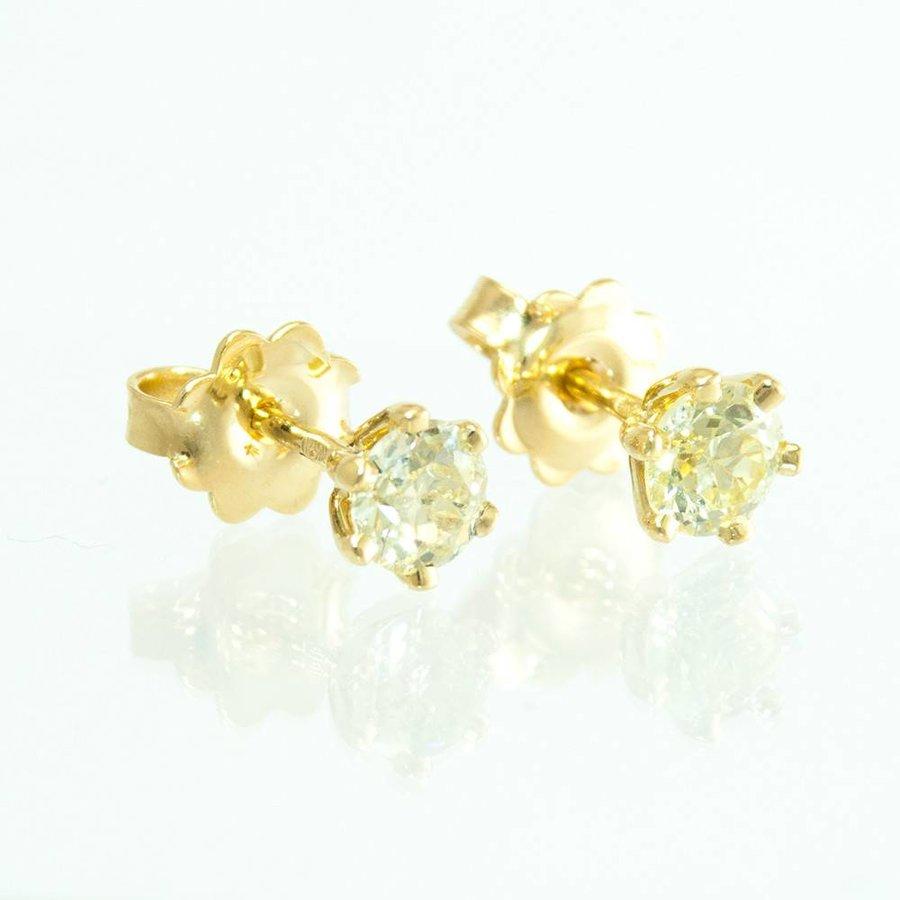 18 krt. geel gouden oorknoppen met briljanten