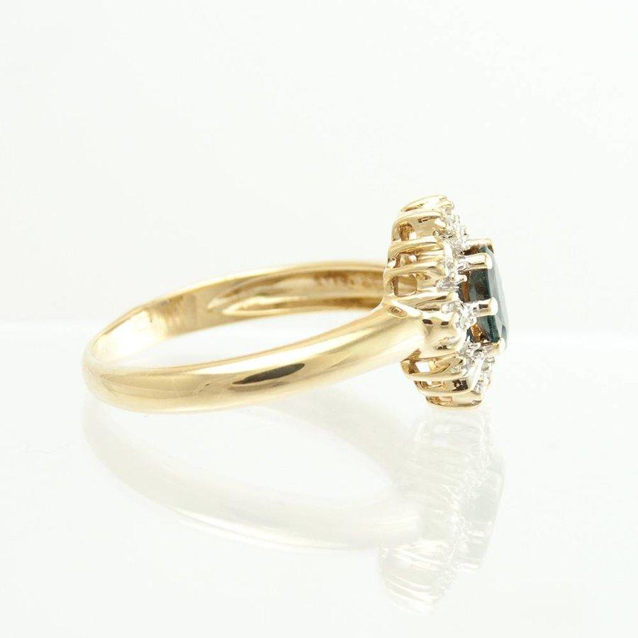 14 krt. geel gouden entourage ring met saffier en briljanten