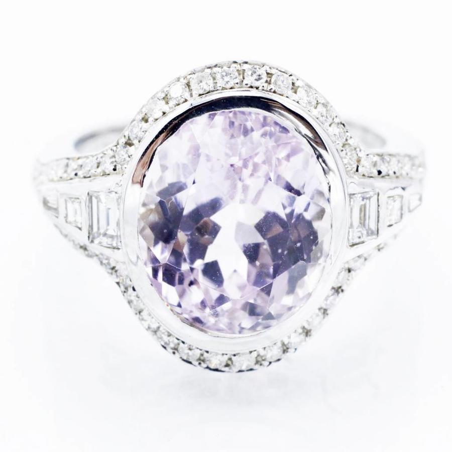 18 krt witgouden ring met 7.395natuurlijke Kunzite en 0.68 ct Diamant