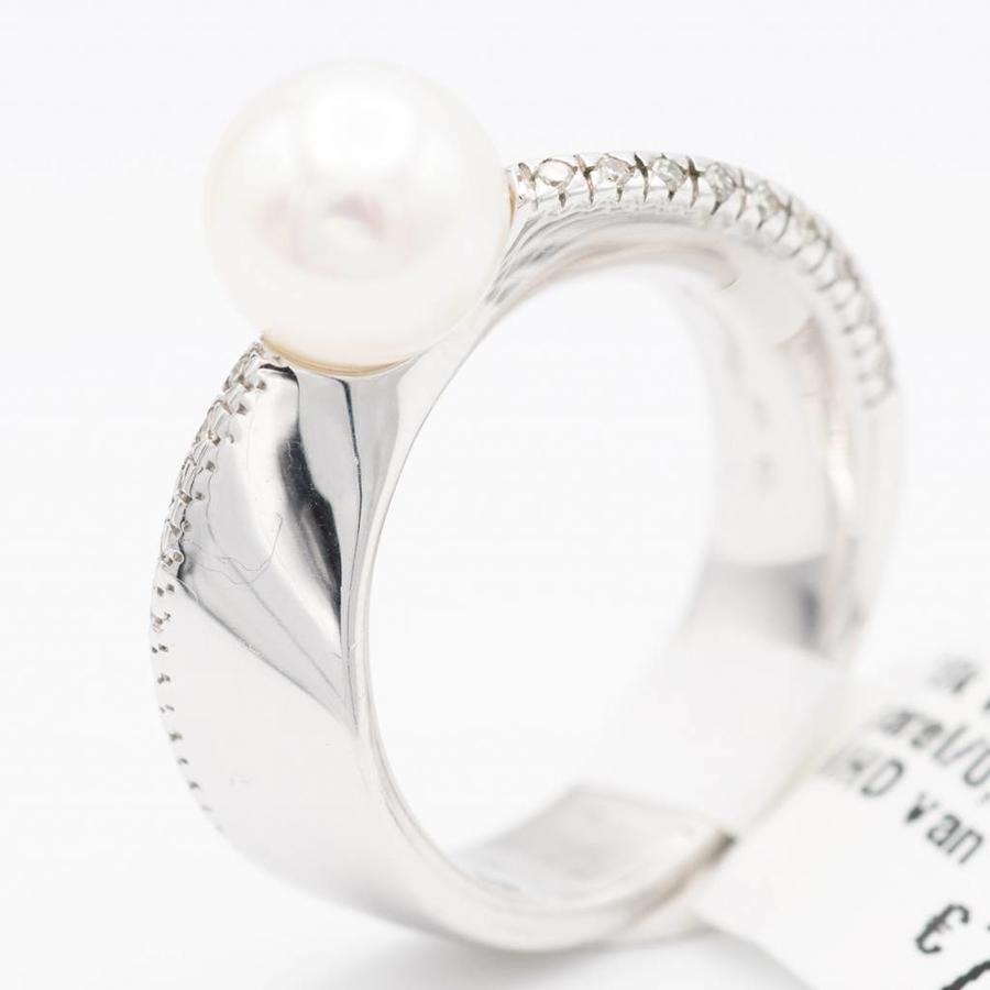 18 krt. wit gouden ring met 18 briljanten en cultivé parel