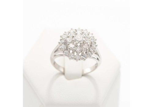 18 Krt. wit gouden ring met 26 briljanten