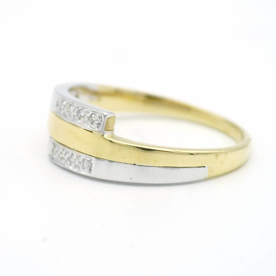 14 krt. gouden ring met briljant