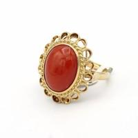 14 krt. geel gouden ring met bloedkoraal