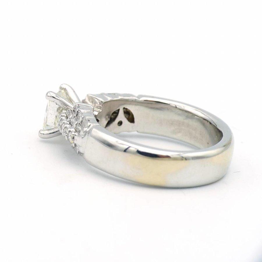 14 krt witgouden ring met diamanten
