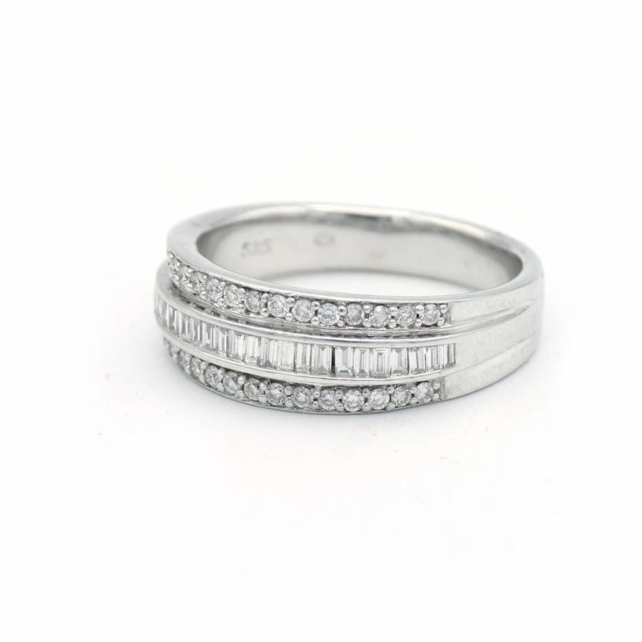 14 krt wit gouden ring gezet met diamanten