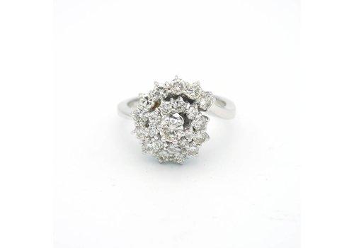 14 krt. wit gouden ring met briljanten