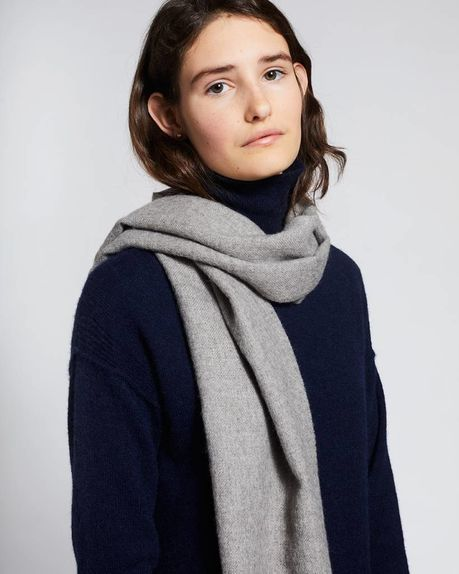 Detale Studio Karin small alpaca scarf light grey