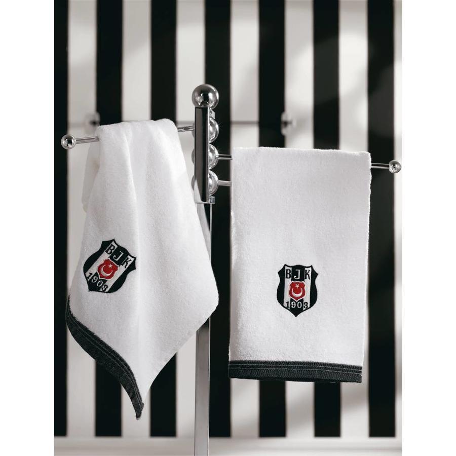7826 - BJK 50X100 handdoek